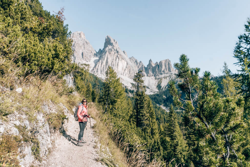 Wanderweg in den Dolomiten
