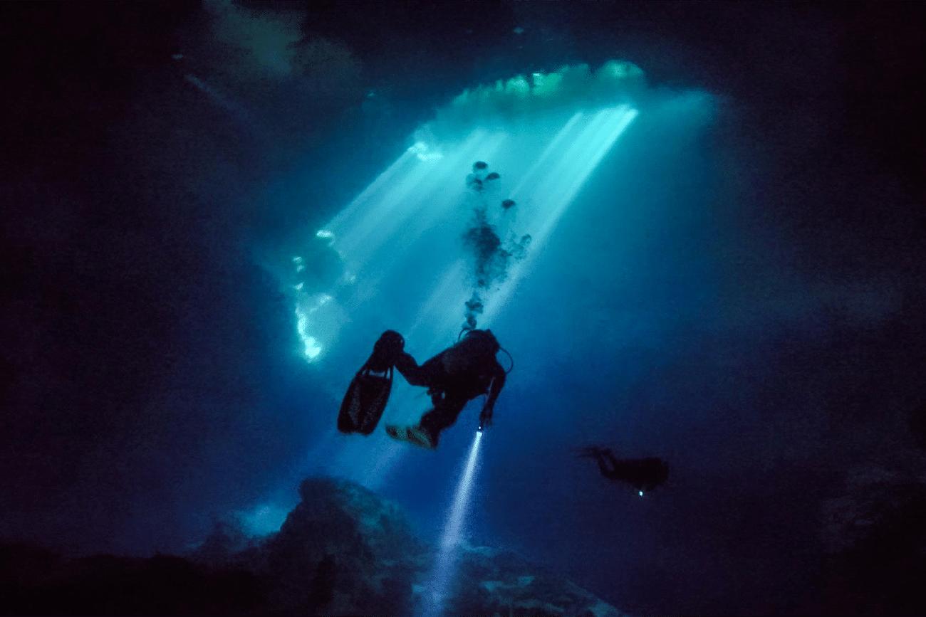 Cenote Pit Mexiko