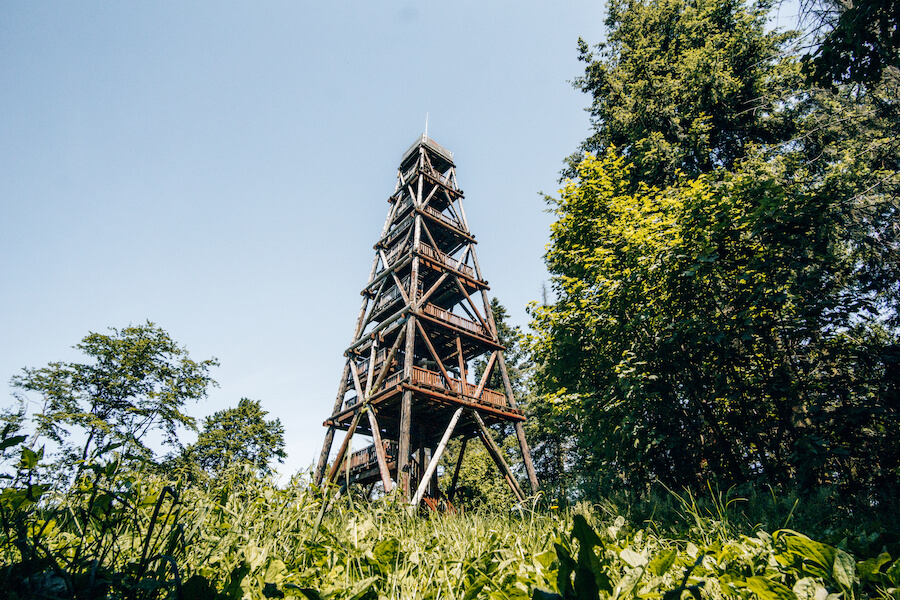 Der Ebersnackenturm auf dem Weserbergland-Weg